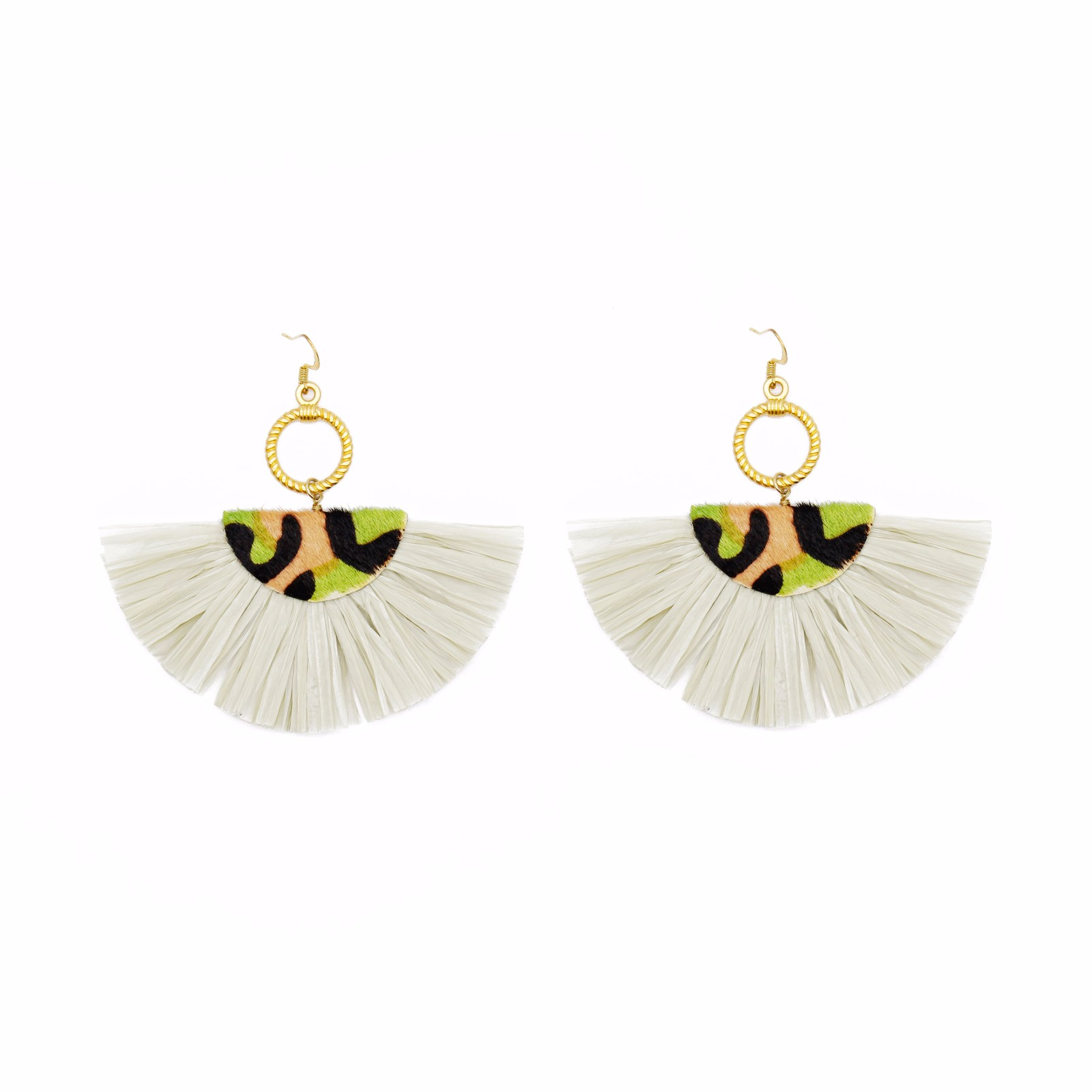 Wholesale jewelry Fan-shaped beige color raffia cowhide statement earrings with copper stud